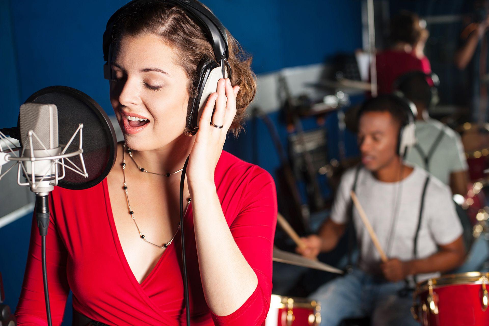 Eigene Cd In Tonstudio Aufnehmen Ab 25 Be A Popstar