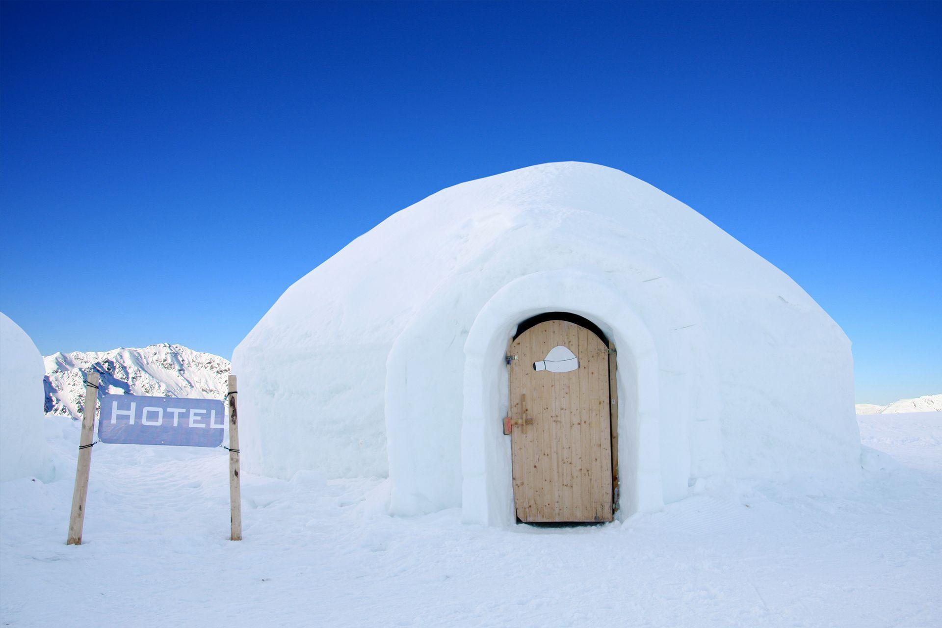 Iglu Übernachtung ab 119€ » Frostige Träume im Eishotel