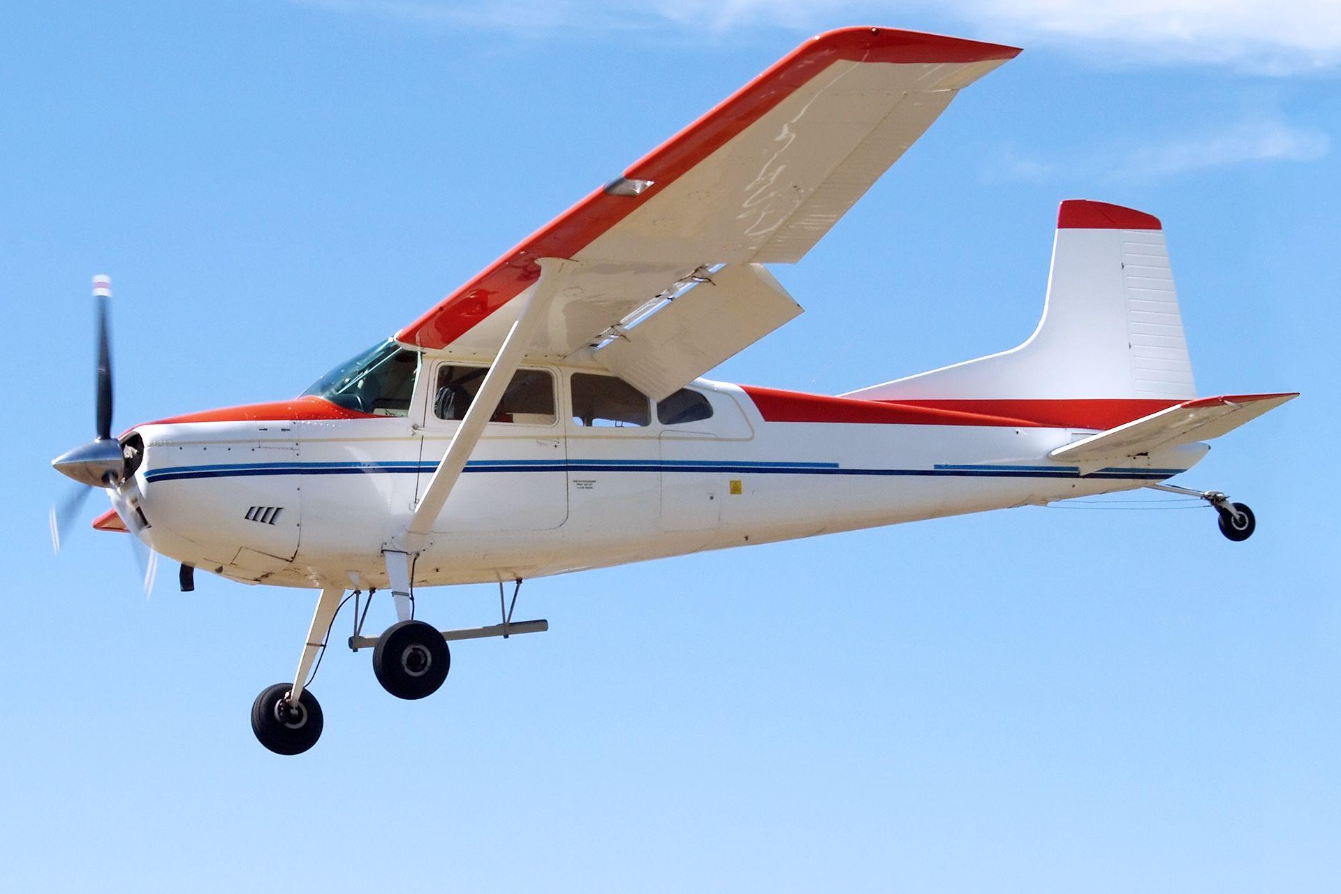 Flugzeug Rundflug ab 50€ schenken » Abheben & genießen
