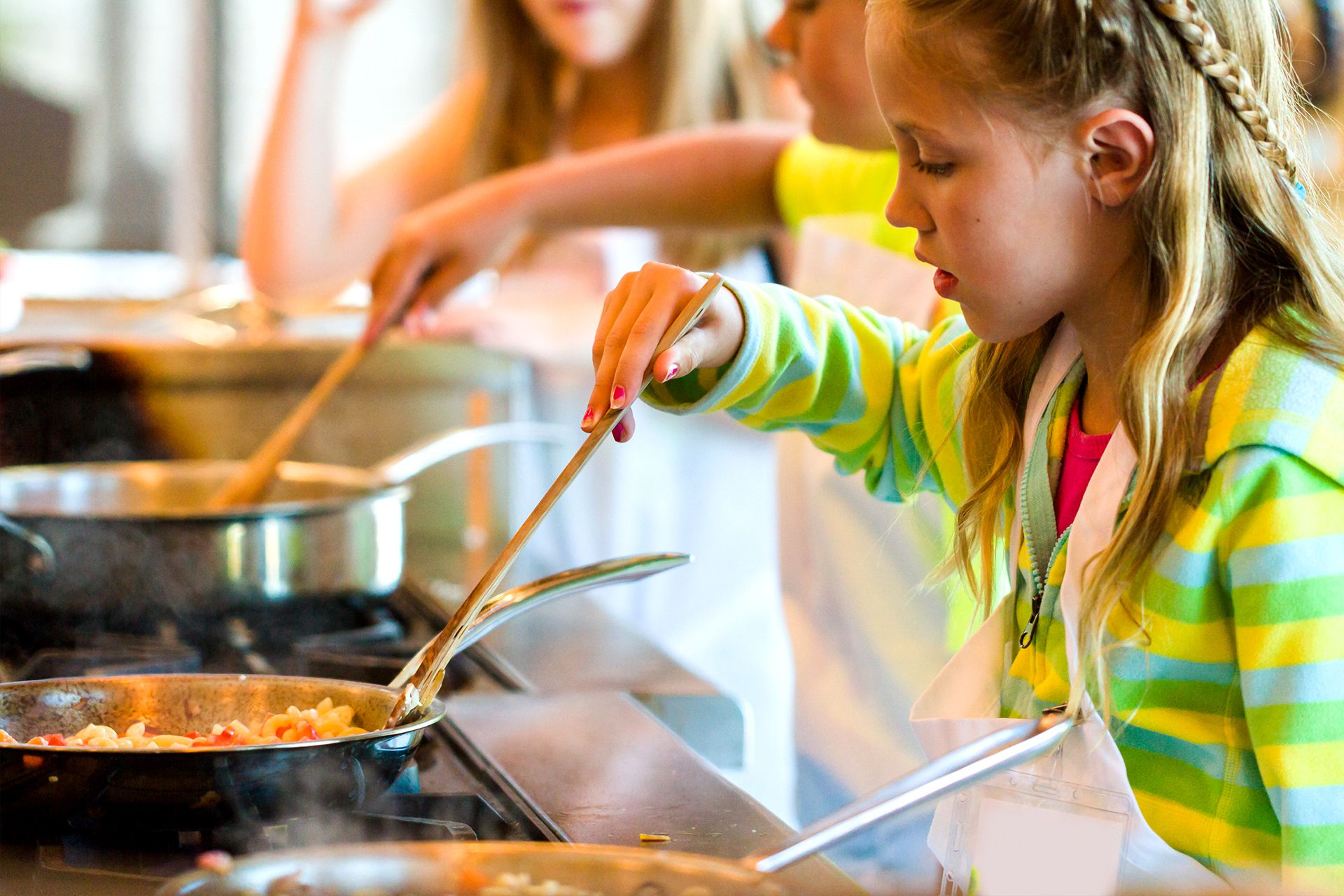 Kochschule für kinder  Kochkurs für Kinder in Nürnberg ab 30€ schenken